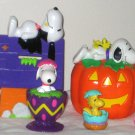 Snoopy Woodstock Easter Halloween Whitmans Banks PVC Egg Cup Dracula Jack-o-Lantern Peanuts Gang