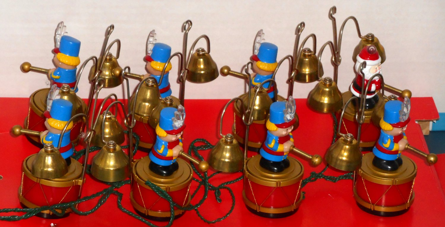 sold mr christmas santas marching band animated musical toy soldiers brass bells 35 carols 1992