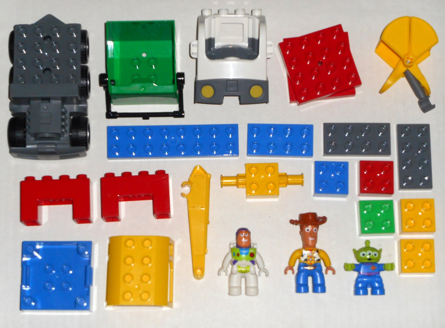 Sold Out Lego Duplo 5691 Alien Space Crane Toy Story 3