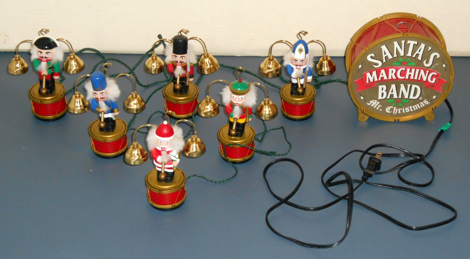 sold out mr christmas santas marching band animated musical nutcracker 12 brass bells 35 carols