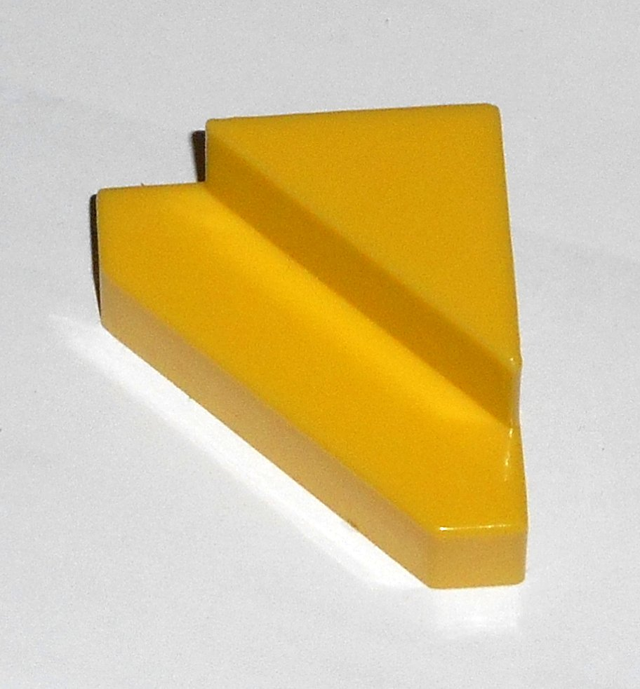 #13Y Vintage 1975 Superfection Game Yellow Replacement Shape Part Block Piece Lakeside 8375