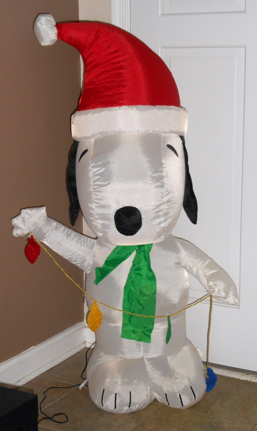 santa snoopy peanuts gang christmas airblown fan inflatable holiday lights gemmy fan 4 feet tall