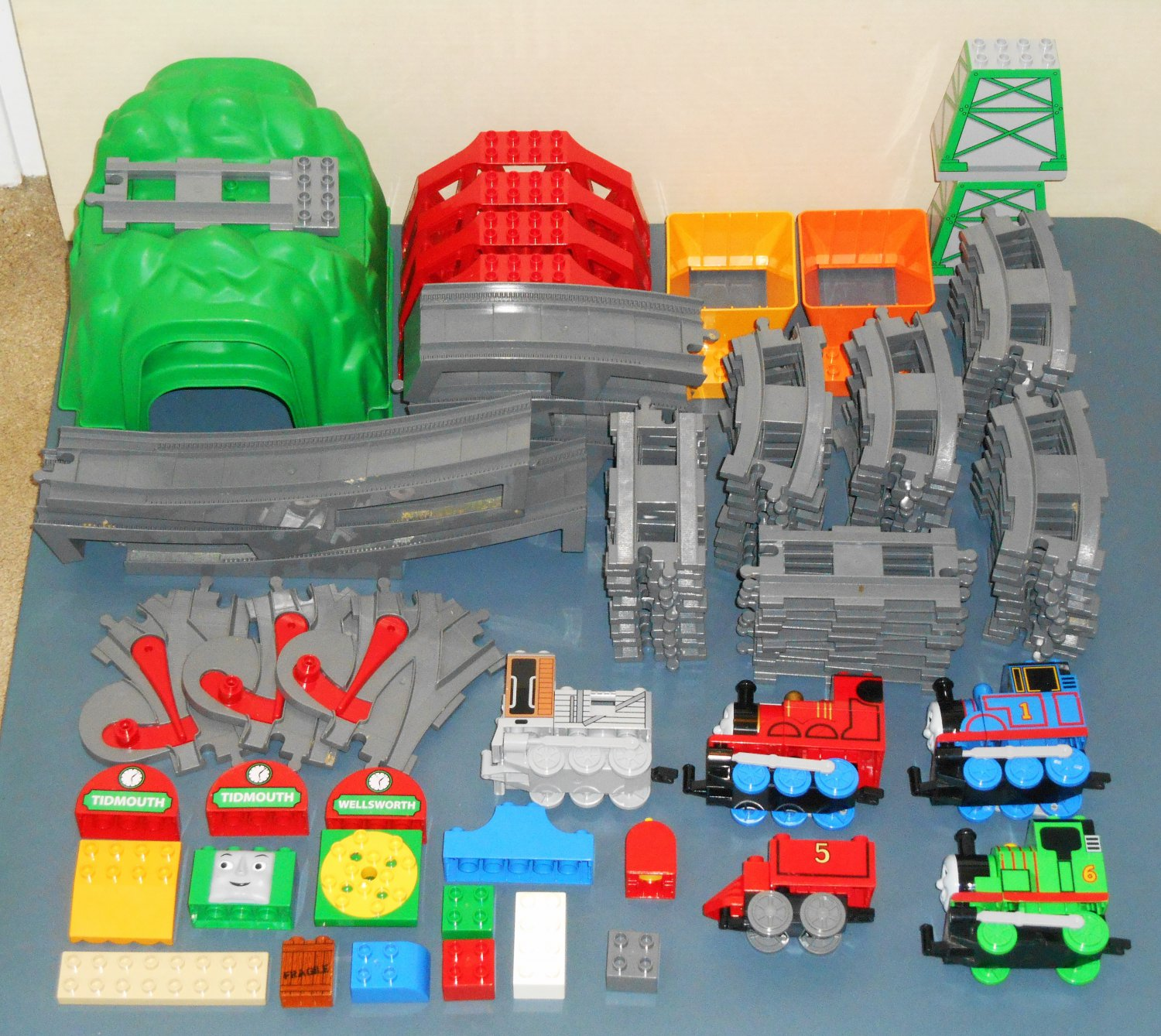 Lego Duplo Thomas the Train Tank Engine Parts Lot 6392 6393 31365 Green Playscape Tunnel Switch