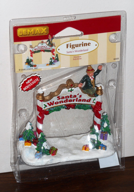 Lemax Christmas Village Collection Figurines 62222 Santa's Wonderland Elf 2006 NIP
