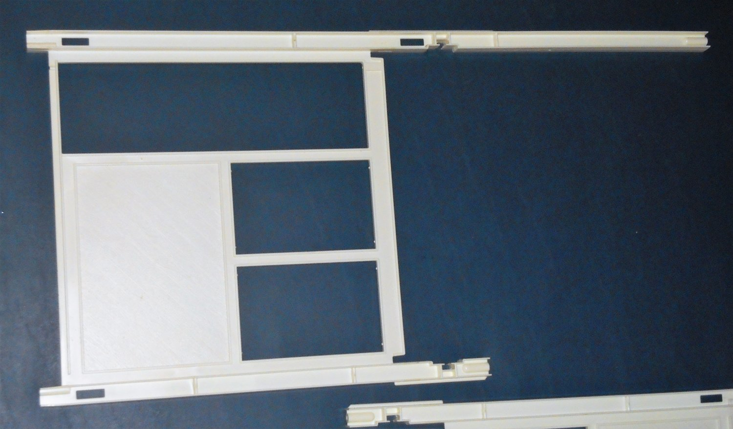 White Wall 2588-2069 Barbie A Frame Dream Doll House Dollhouse Replacement Parts Mattel