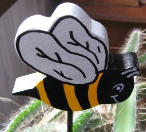 Wooden Bee For Planter or Yard