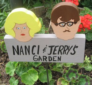 Personalized   wood garden sign