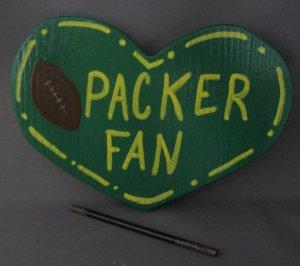 Green Bay Packers Fan Heart shaped Wood Garden Sign