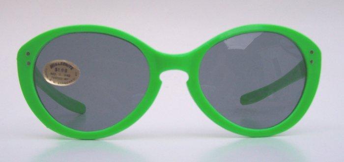 Rare WILLSONITE Retro Vintage Green Plastic Cat Eye Sunglasses