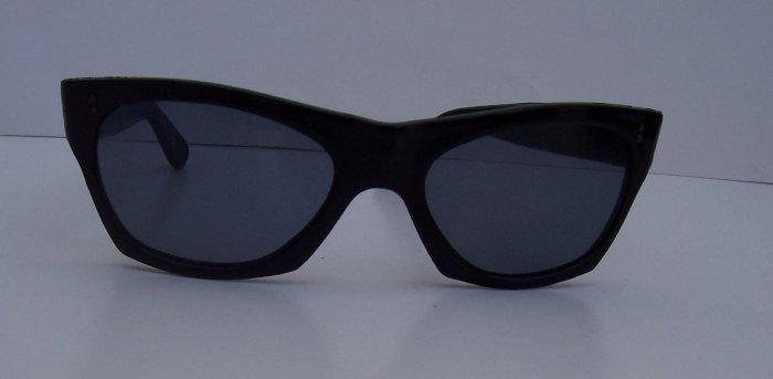 WILLSONITE Retro Vintage Plastic Wayfarer Risky Biz Sunglasses Rare