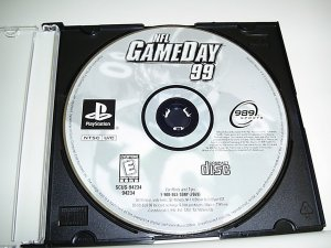NFL GameDay 1999  (Playstation Game) FREE SHIPPING
