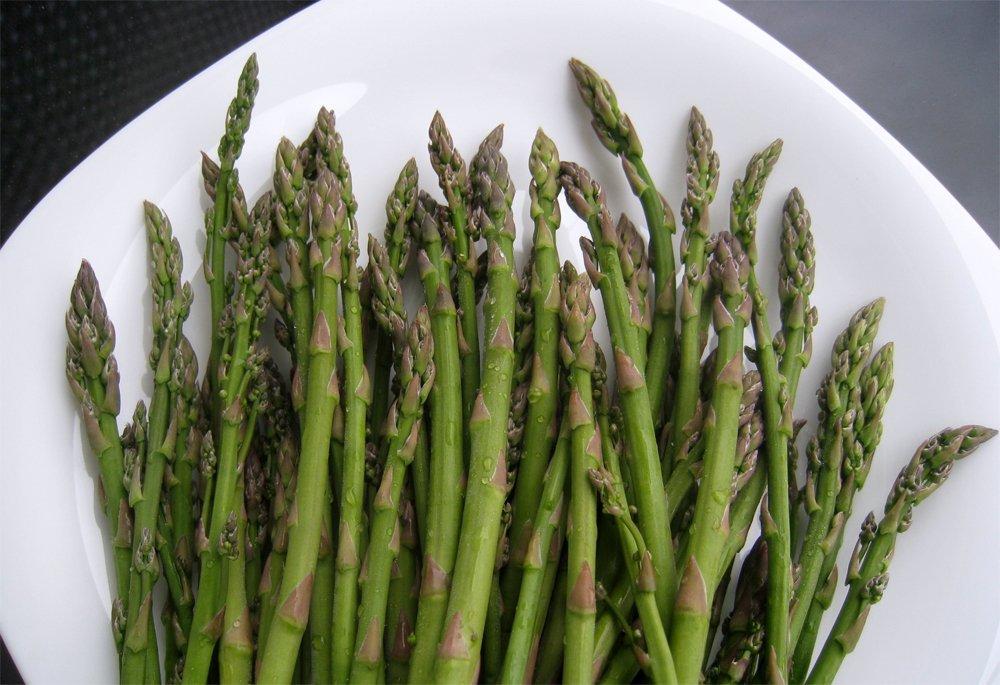 Organic Heirloom Asparagus Vegetable Asparagus officinalis - 50 Seeds