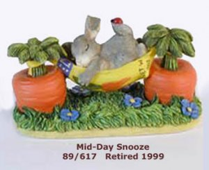 Charming Tails, MID-DAY SNOOZE, 89/617, retired in 1999,  MIB