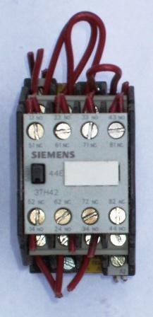 Siemens 3TH40 control relay