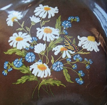 Daisy Spray from LeeWards crewel kit butterfly flowers floral Unopened 1629