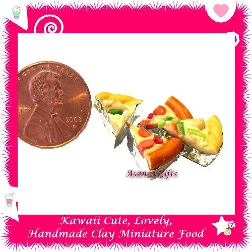 MINIATURE PIZZA 4 PC SET - HANDMADE POLYMER CLAY FOOD FOR DOLLS HOUSE OR MINIATURISTS ECDMF-CC3006