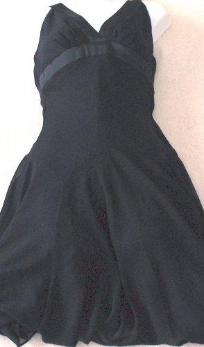 FOREVER 21  Womens/Juniors black dress  Size small