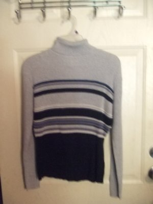 Gently Worn Basic Editions Gray and Black Turtleneck Sweater Boy's Size Extra Large