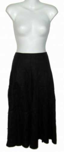 Size 10 Black Liz Claiborne Skirt w/o tags.