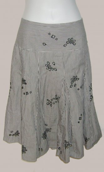 Size 14 white Sunny Leigh Skirt With Tags.