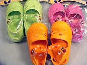 """kona"" kids clogs lady bug design  wholesale lot 12 sizes 8-13"