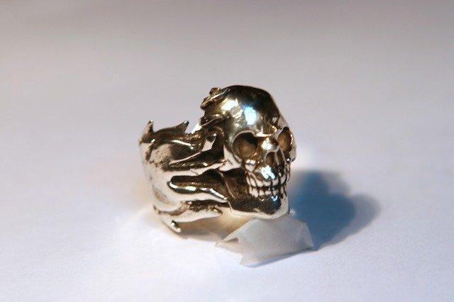 Velvet Dagger Skull