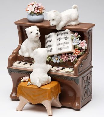 � New MUSIC BOX Porcelain WESTIE Dog Playing PIANO �