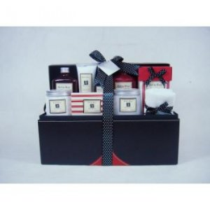 10 Pc Red & Rosy Bath Gift Set In A Black & Red Leather Case