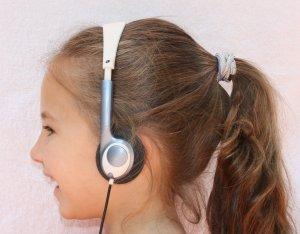 VOLUME LIMITING CHILD HEADPHONES KIDS EARPHONES
