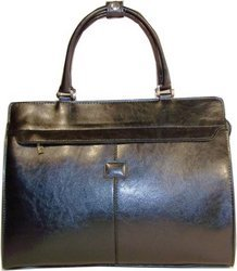 Woman's Briefcase with Shoulder Strap - Black