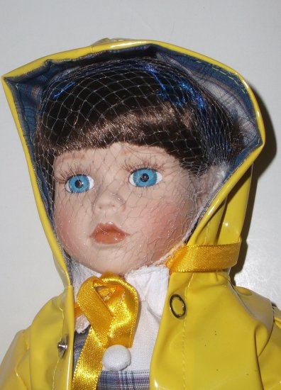 Heritage Signature Collection Doll April Showers Brie with Box and Certificate