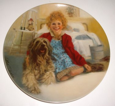 """Little Orphan """"Annie and Sandy"""" Plate 1st Issue in Series 1983 Knowles China Ltd Ed"""