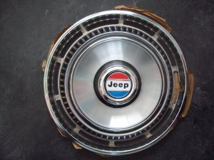 Jeep hubcap New