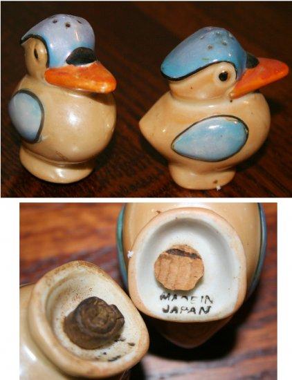 Irridized Bird Salt and Pepper Shakers, Marked Japan on bottom, Vintage Lusterware