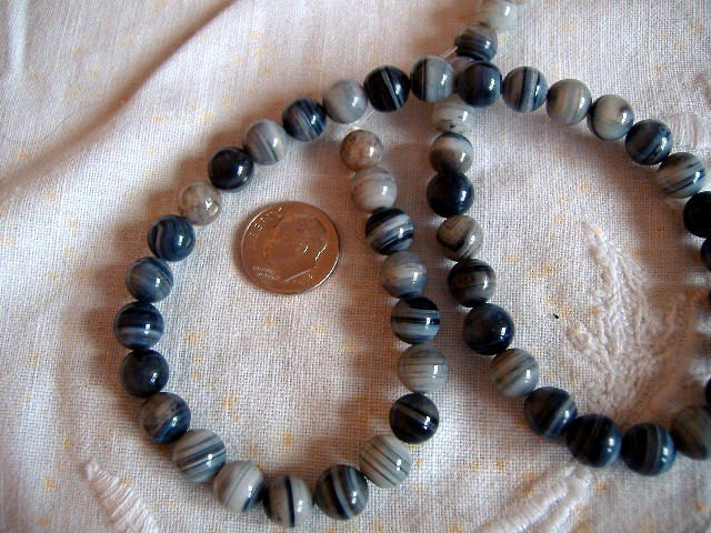 Gemstone stone beads Gray striped agate 8mm round 15 inch strand.