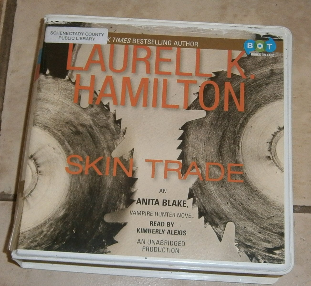 Skin Trade audio book cds Laurell K. Hamilton