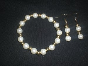 Faux pearl and gold plated bead stretch bracelet and earring set