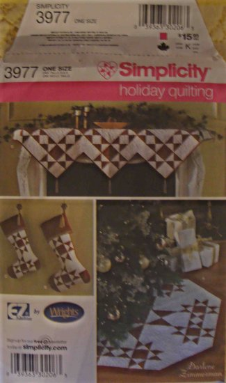 Simplicity Holiday Quilting Pattern 3977 Tree Skirt Mantel Topper Stocking