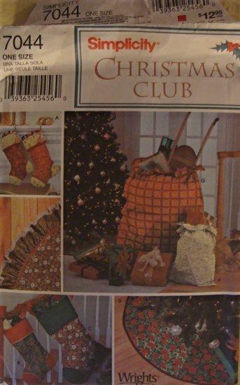 Simplicity Christmas Club Pattern 7044 Tree Skirt Stocking Gift Bag