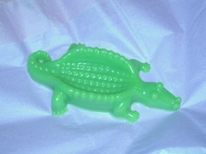 1 Handmade Customized Alligator Goats Milk Soap [4oz] FREE SHIPPING