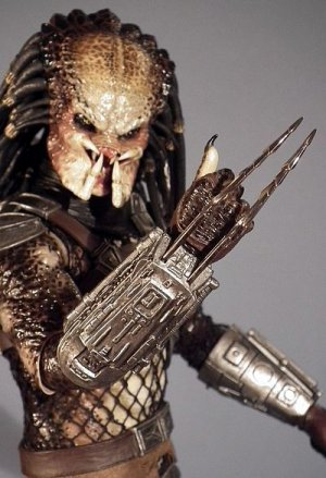 SOLD OUT Classic Predator Sixth Scale Hot Toys Sideshow