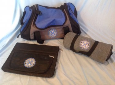 X-Men 2 School Set Duffle Bag Portfolio Blanket and Off-Duty Jacket Replica Prop Adult Size XL