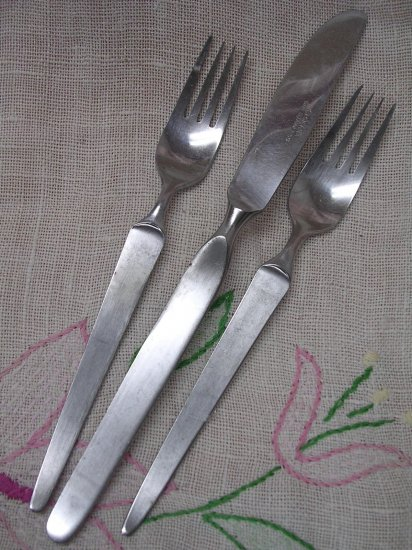 STANLEY ROBERTS SRI SIENNA PLACE KNIFE &2 SALAD FORKS STAINLESS FLATWARE SILVERWARE