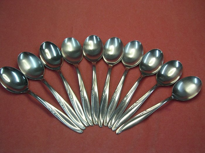 INTERNATIONAL INS 131 INS131 10 PLACE SPOONS SILCO STAINLESS FLATWARE SILVERWARE
