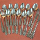 GOLD WORKS GOLDWORKS unknown pattern 2KNIVES 2FORKS 11SPOONS STAINLESS FLATWARE SILVERWARE