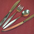 TOWLE CARVEL HALL LEISURE FORK SPOON &2 KNIVES STAINLESS FLATWARE SILVERWARE