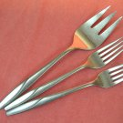 INTERNATIONAL REVELATION SERVING &2 PLACE FORKS Wm ROGERS STAINLESS FLATWARE SILVERWARE