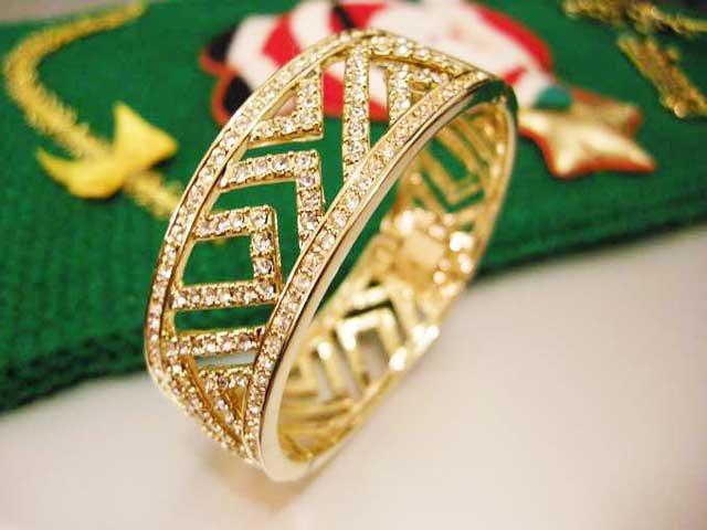 BVL Bvlgari Paris Luxurious Golden Bangle with Swarovsky white crystals