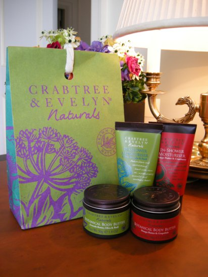 Crabtree & Evelyn Naturals Bath & Body Gift Set