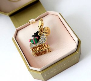 Juicy Couture 2010 Limited Edition Yorkie In Sleigh Charm